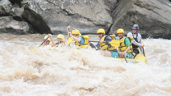 /images/r/summit-rafting-trip-lc-raft_-new-river_062216-2/586x329g23-316-3398-2211/summit-rafting-trip-lc-raft_-new-river_062216-2.jpg